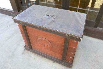 川下八幡宮 賽銭箱