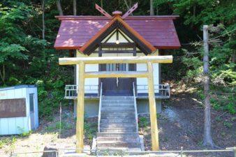 上盤渓神社 鳥居と本殿