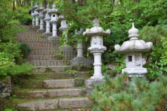 開拓神社(紅桜公園) 石灯籠