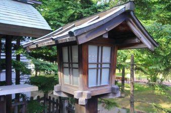構内札幌神社 灯籠