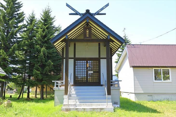 東米里八幡神社 本殿