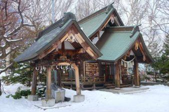 平岸天満宮及・太平山三吉神社 本殿 冬