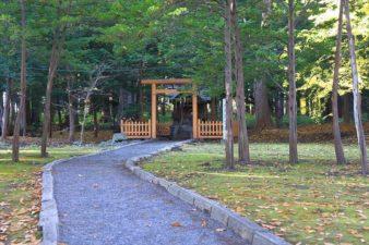 札幌鉱霊神社 参道