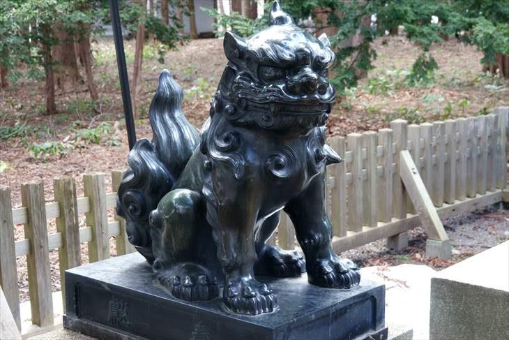 穂多木神社 ブロンズの狛犬様