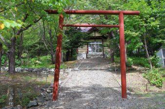 中の沢布袋神社 鳥居