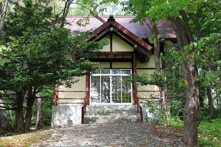 中の沢布袋神社 本殿