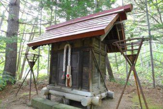 石山開拓神社 本殿