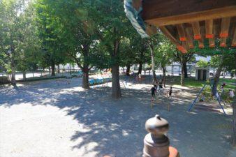 菊水神社 本殿から見た公園