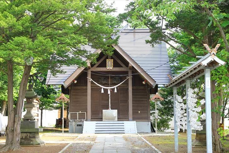 小野幌神社 参道と本殿