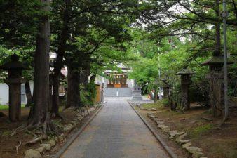 西岡八幡宮 参道