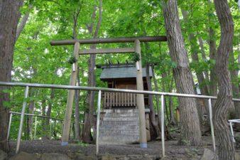日照神社 山中の社