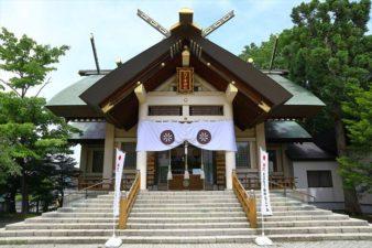 烈々布神社 本殿