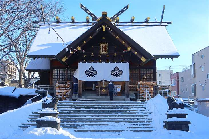 札幌諏訪神社 本殿 冬