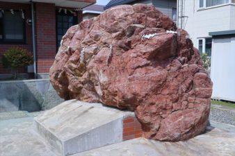 神命大神宮 北海道別宮 境内の巨石