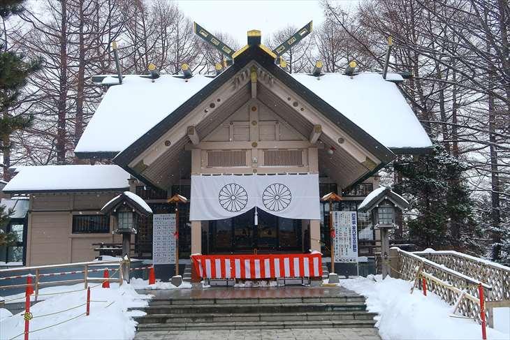 白石神社 本殿 冬