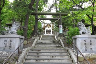 手稲神社 参道の階段