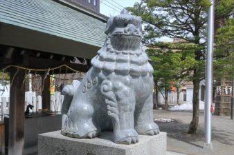 北海道神宮頓宮 縁結びの狛犬様