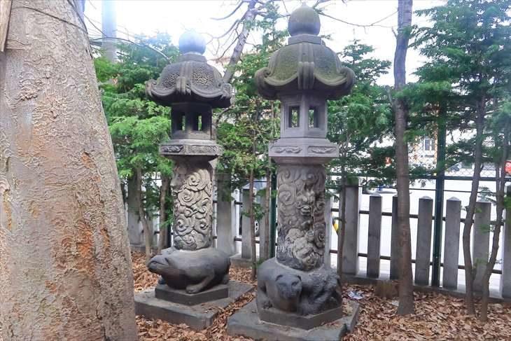 北海道神宮頓宮の北海道最古と言われる石灯籠