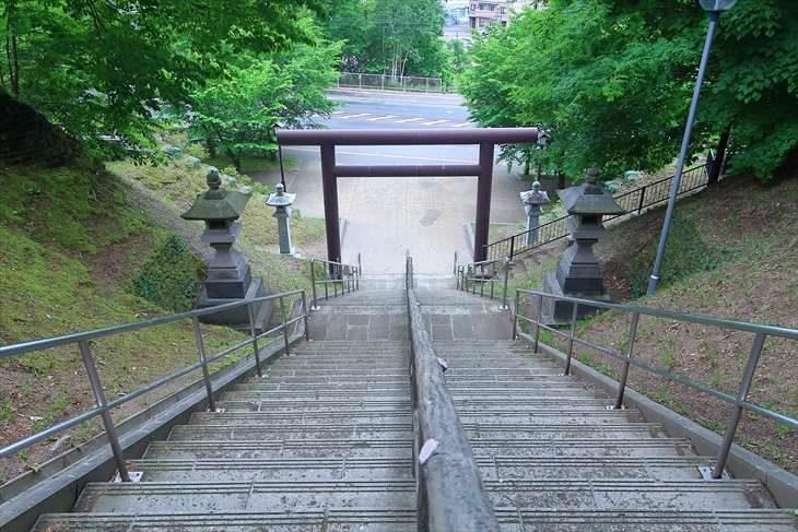 厚別神社の階段