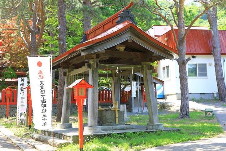 札幌伏見稲荷神社の手水舎