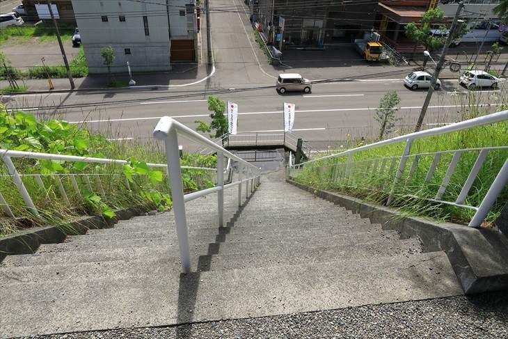 上手稲神社の階段
