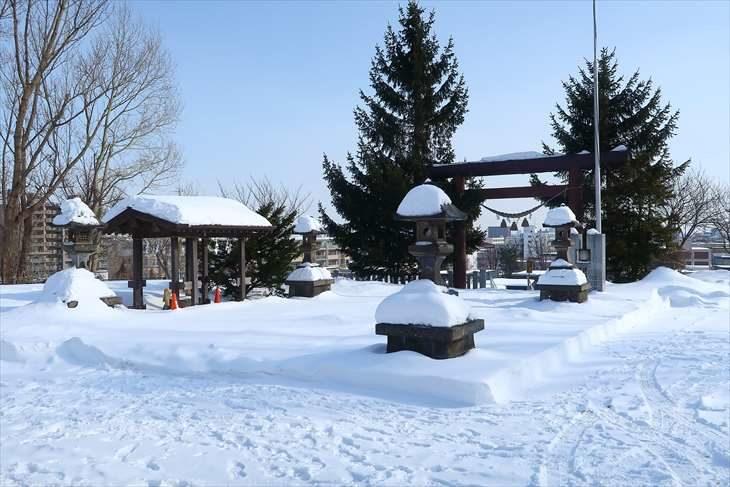 上手稲神社 冬の境内の様子