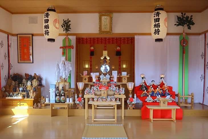 清田稲荷神社 拝殿の中