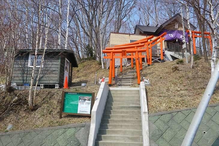 清田稲荷神社 全景