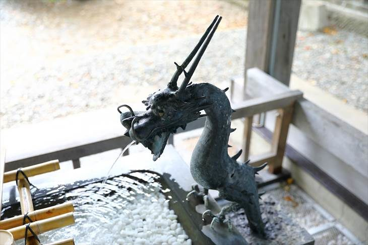江南神社 手水舎の龍神様