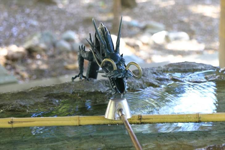琴似神社 手水舎の龍神様