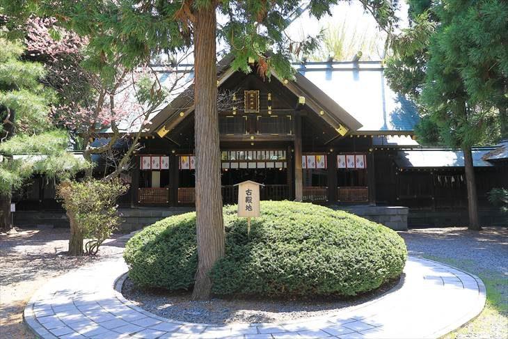 琴似神社 社殿