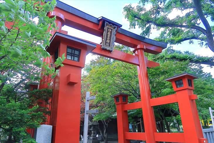 弥彦神社 第一鳥居