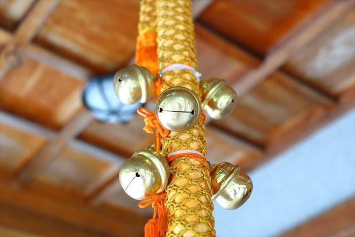 西野神社の鈴