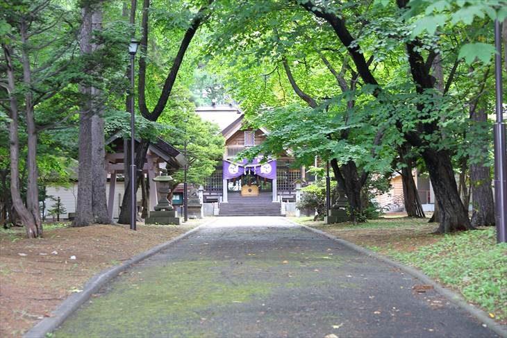 大谷地神社 参道