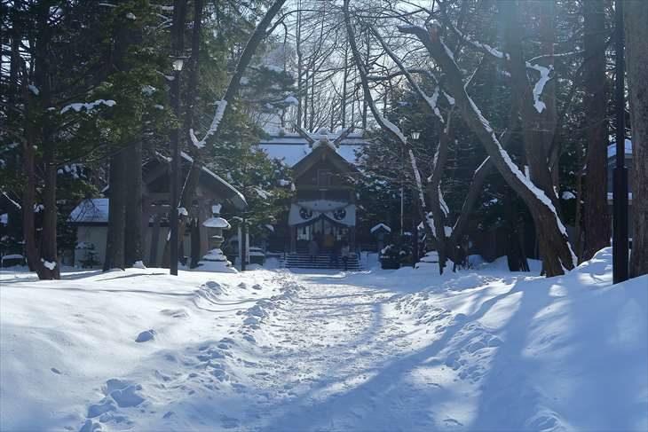 大谷地神社 参道 冬の景色