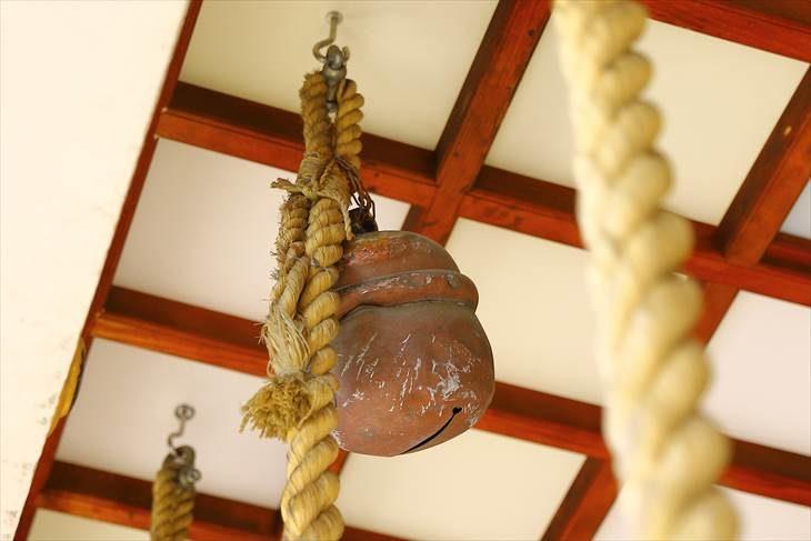 烈々布神社の鈴