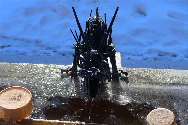 札幌諏訪神社 冬の手水