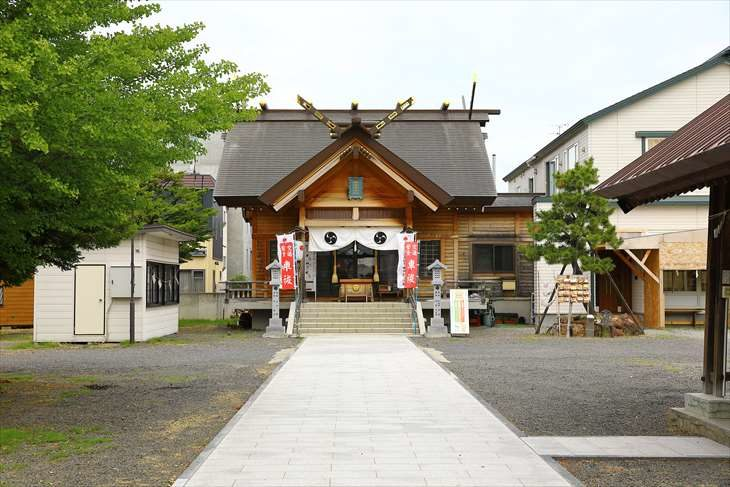 札幌村神社 夏の境内
