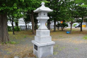 札幌村神社  石灯籠