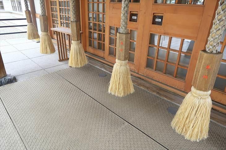 新琴似神社 社殿前