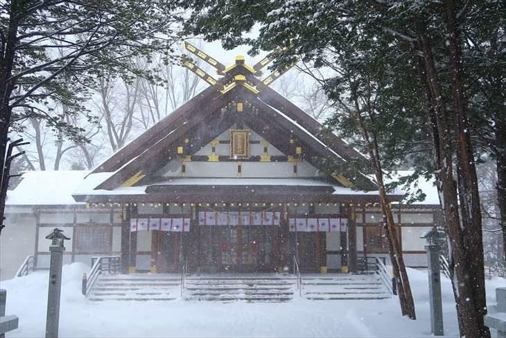 新琴似神社 社殿 冬