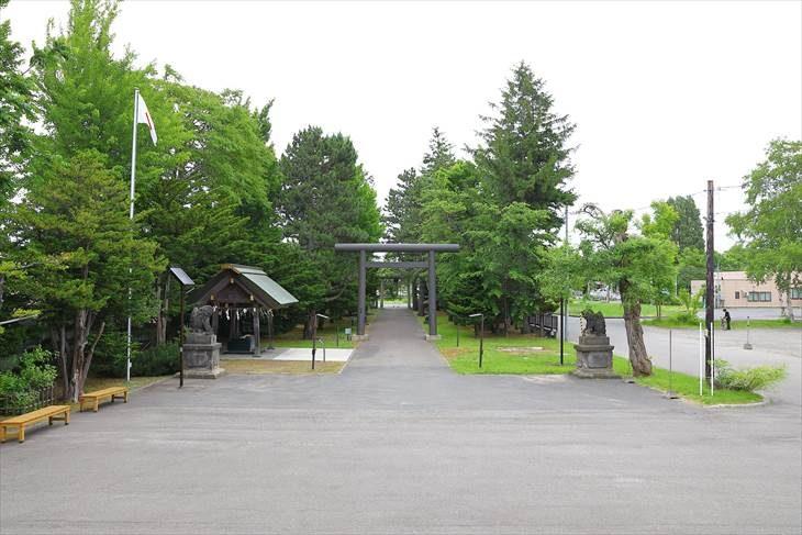 篠路神社 境内全景
