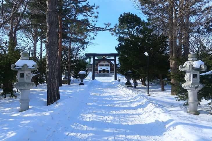 篠路神社 参道 冬