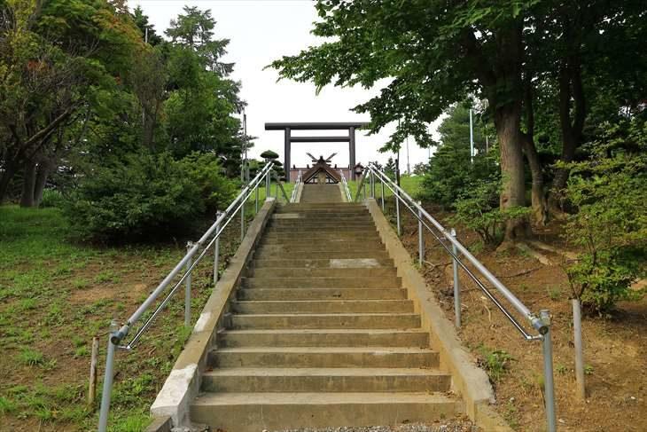 澄丘神社 参道の階段