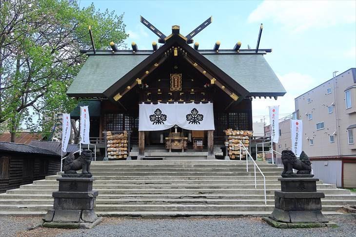 札幌諏訪神社の社殿