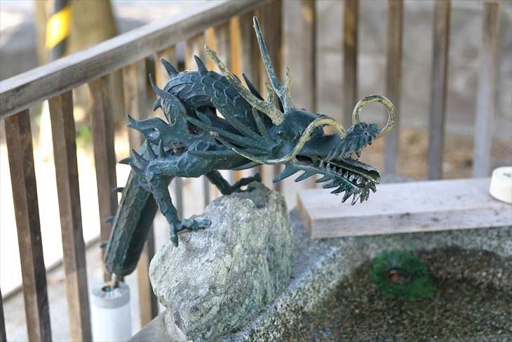 豊平神社 手水の龍神様