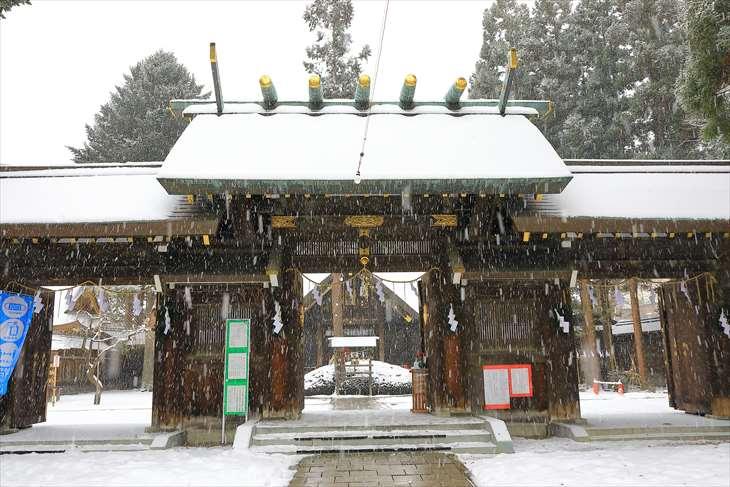 雪降る琴似神社 神門