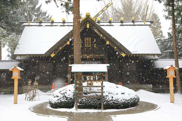 雪降る琴似神社 本殿