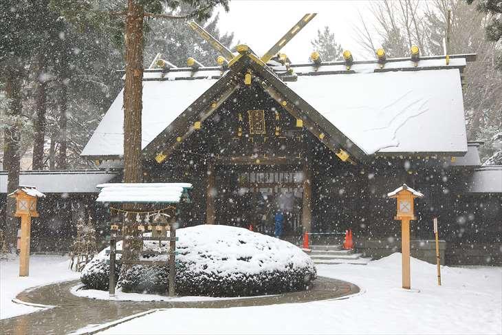 雪降る琴似神社