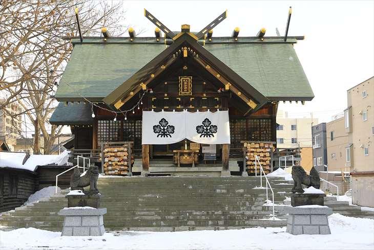 札幌諏訪神社の拝殿